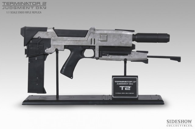 TERMINATOR 2: JUDGMENT DAY Life Size 40 Watt Endo Plasma Rifle Prop Replica