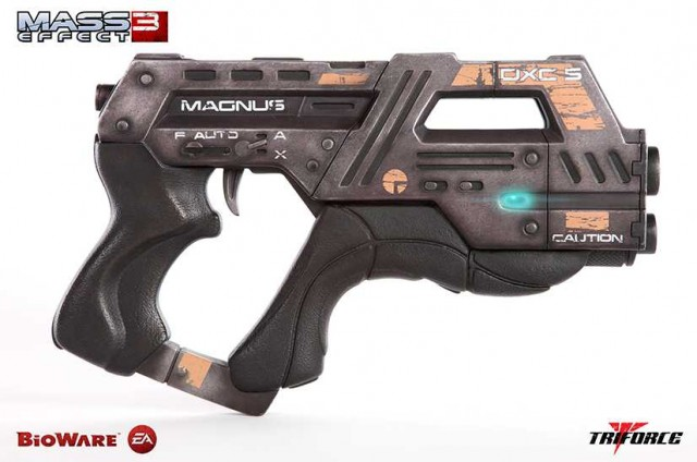 MASS EFFECT 3 M-6 Carnifex Replica Triforce