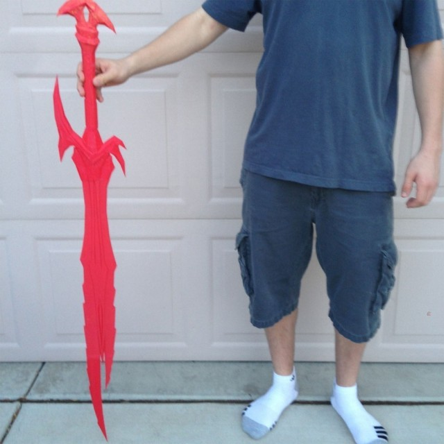 3D-Printed-THE-ELDER-SCROLLS-V-SKYRIM-Daedric-Greatsword