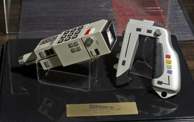 Limited Edition SPACE 1999 Commlock and Stun Gun Prop Replica Set