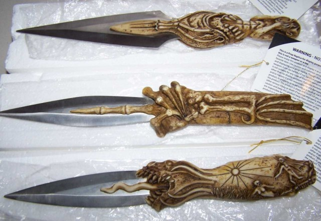 Rare Triple Set of JEEPERS CREEPERS Dagger Replicas Factory X